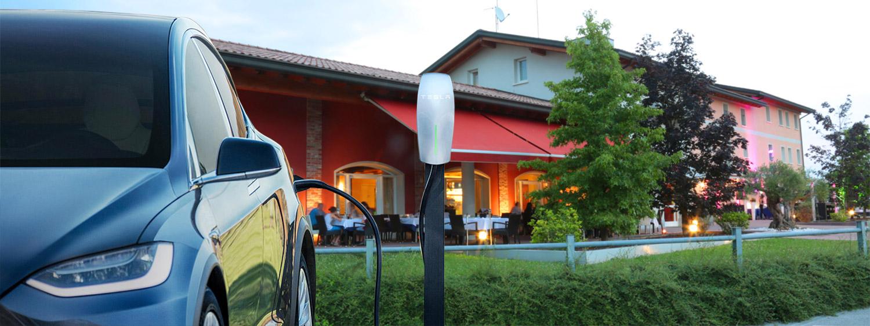 Ricarica auto Tesla